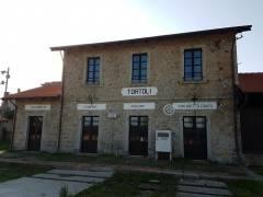 stazione ferroviaria di Tortol